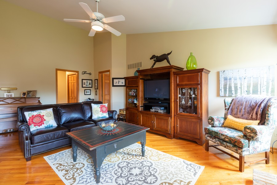 Real Estate Photography - 771 Wexford Ct, Grayslake, IL, 60030 - Family Room