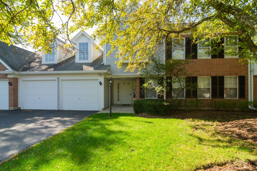 Real Estate Photography - 1007 Butternut Ln, C, Mount Prospect, IL, 60056 - Front View