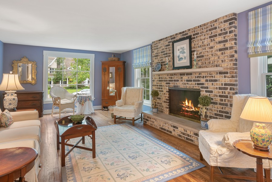 Real Estate Photography - 2522 Isabella St, Evanston, IL, 60201 - Living Room