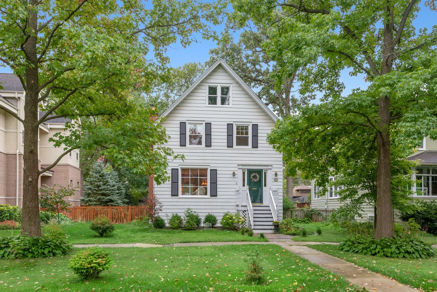 Real Estate Photography - 2522 Isabella St, Evanston, IL, 60201 - Front View