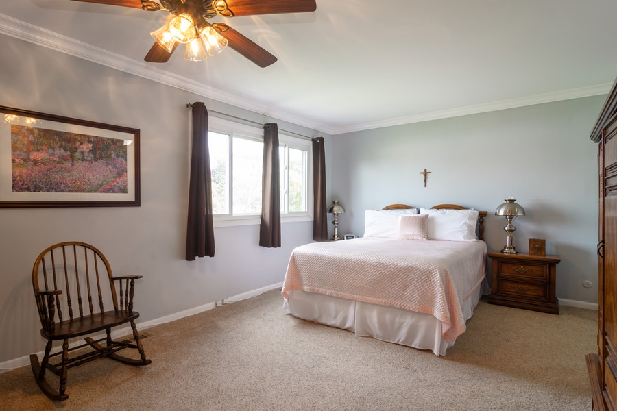 Real Estate Photography - 12 West Appletree Ln, Arlington Heights, IL, 60004 - Master Bedroom