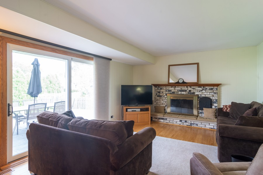 Real Estate Photography - 12 West Appletree Ln, Arlington Heights, IL, 60004 - Family Room