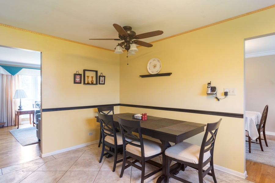 Real Estate Photography - 12 West Appletree Ln, Arlington Heights, IL, 60004 - Breakfast Nook