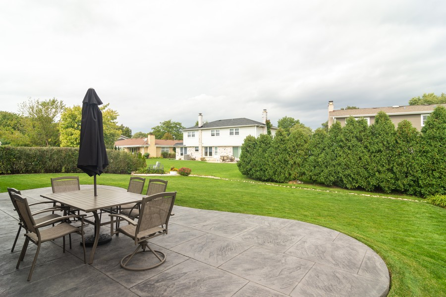 Real Estate Photography - 12 West Appletree Ln, Arlington Heights, IL, 60004 - Patio