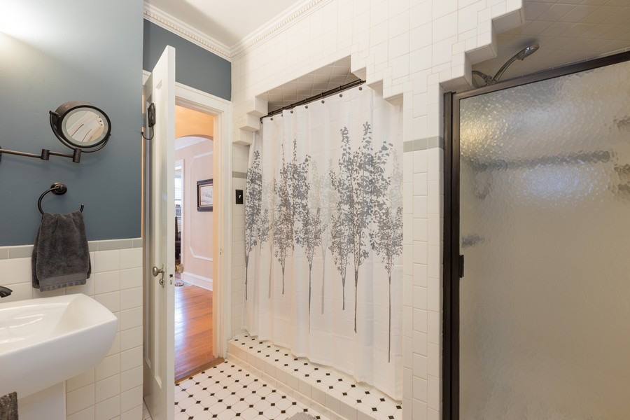 Real Estate Photography - 2640 West Fargo Ave, UNIT2, Chicago, IL, 60645 - Master Bathroom