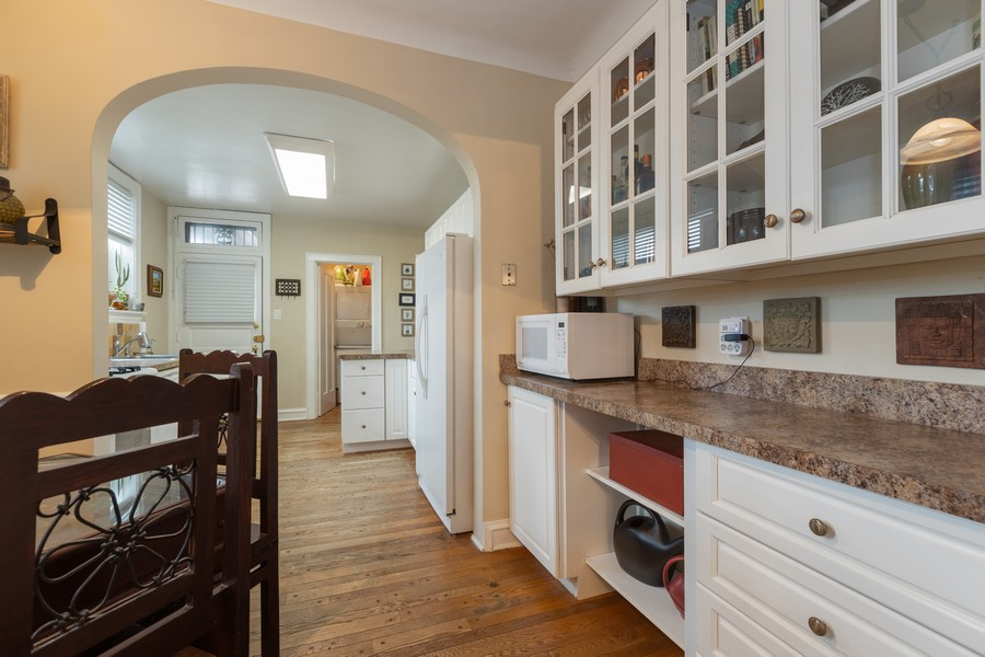 Real Estate Photography - 2640 West Fargo Ave, UNIT2, Chicago, IL, 60645 - Pantry