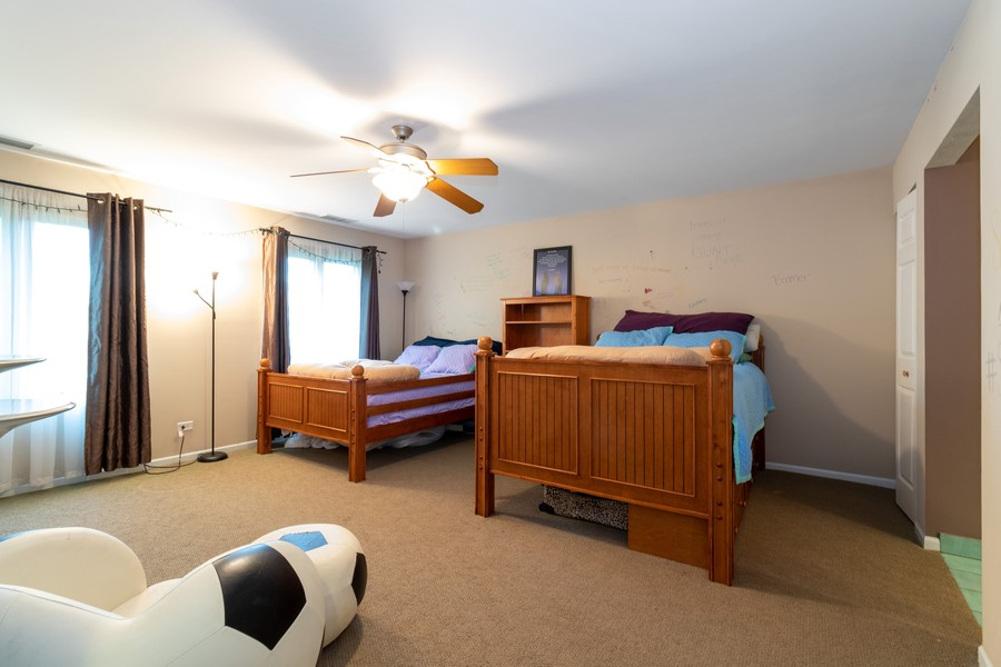 Real Estate Photography - 9816 Mill Dr West Dr, B2, Palos Park, IL, 60464 - Master Bedroom
