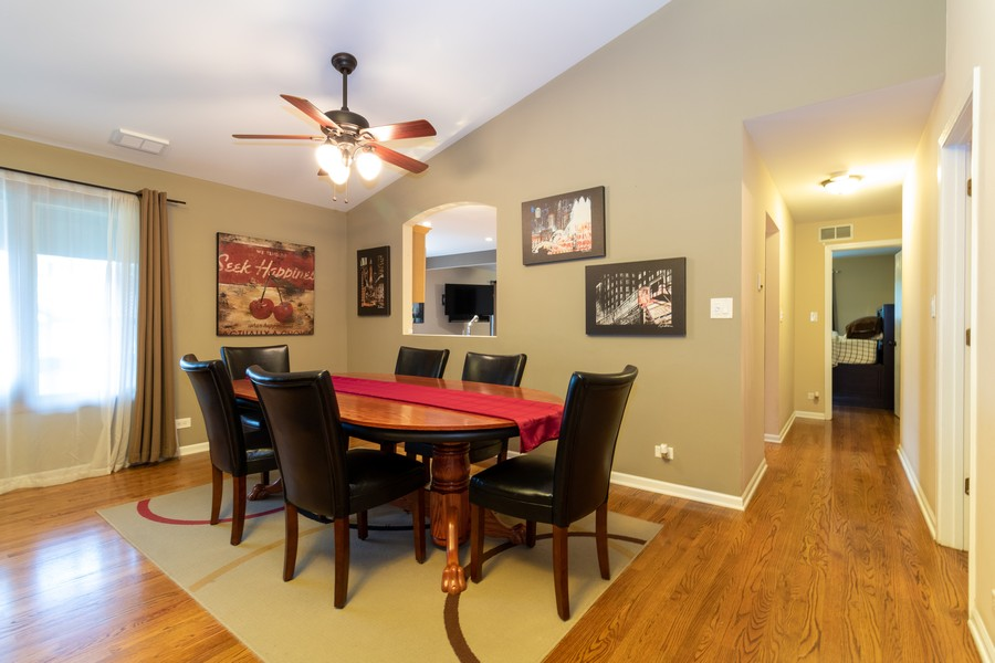 Real Estate Photography - 9816 Mill Dr West Dr, B2, Palos Park, IL, 60464 - Dining Room
