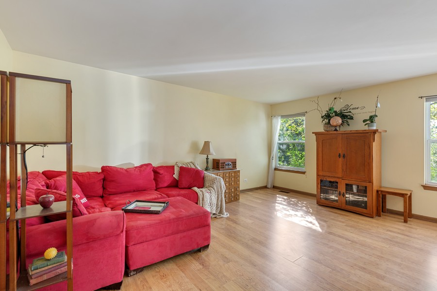 Real Estate Photography - 203 Heritage Trl, Hainesville, IL, 60030 - Family Room