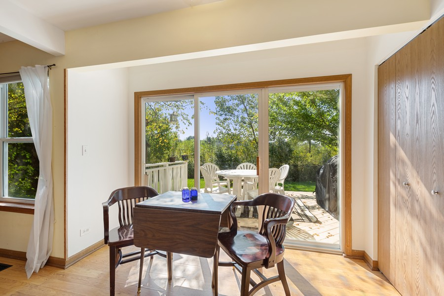 Real Estate Photography - 203 Heritage Trl, Hainesville, IL, 60030 - Breakfast Area