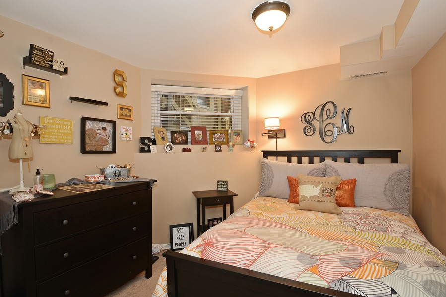 Real Estate Photography - 3804 N Fremont St, 1, Chicago, IL, 60613 - 2nd Bedroom