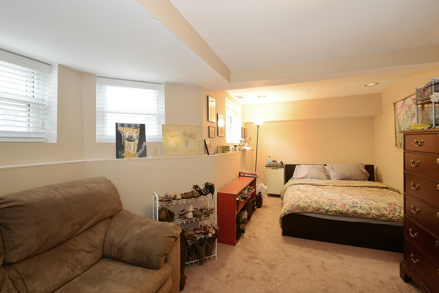 Real Estate Photography - 3804 N Fremont St, 1, Chicago, IL, 60613 - Bedroom