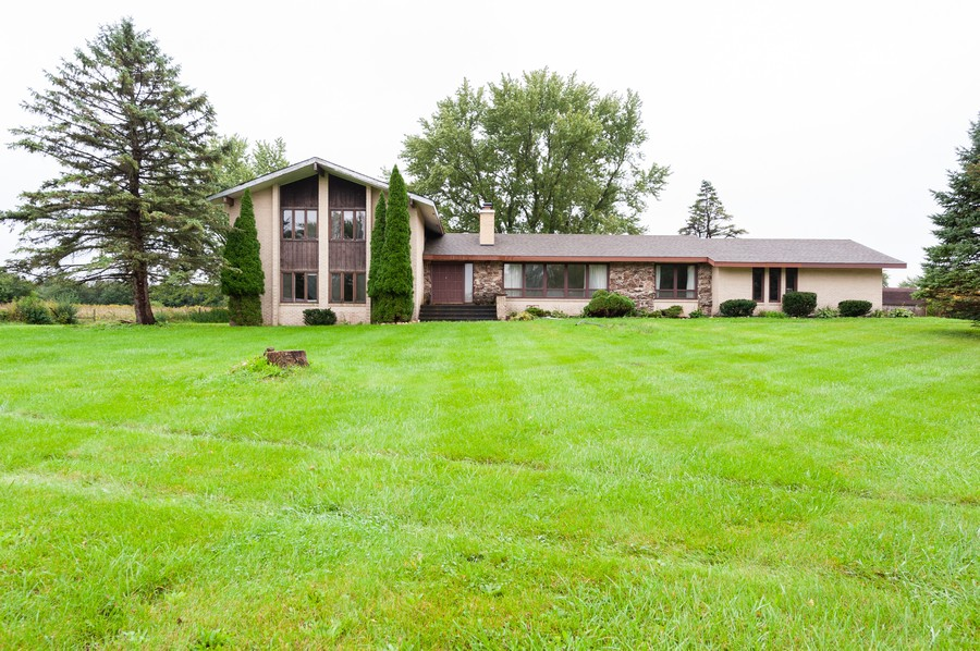 Real Estate Photography - 26661 Country Estates Rd, Barrington, IL, 60010 - Front View