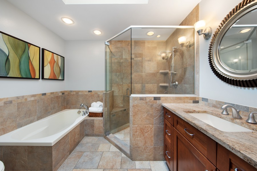 Real Estate Photography - 376 River Bluff Cir, Naperville, IL, 60540 - Master Bathroom