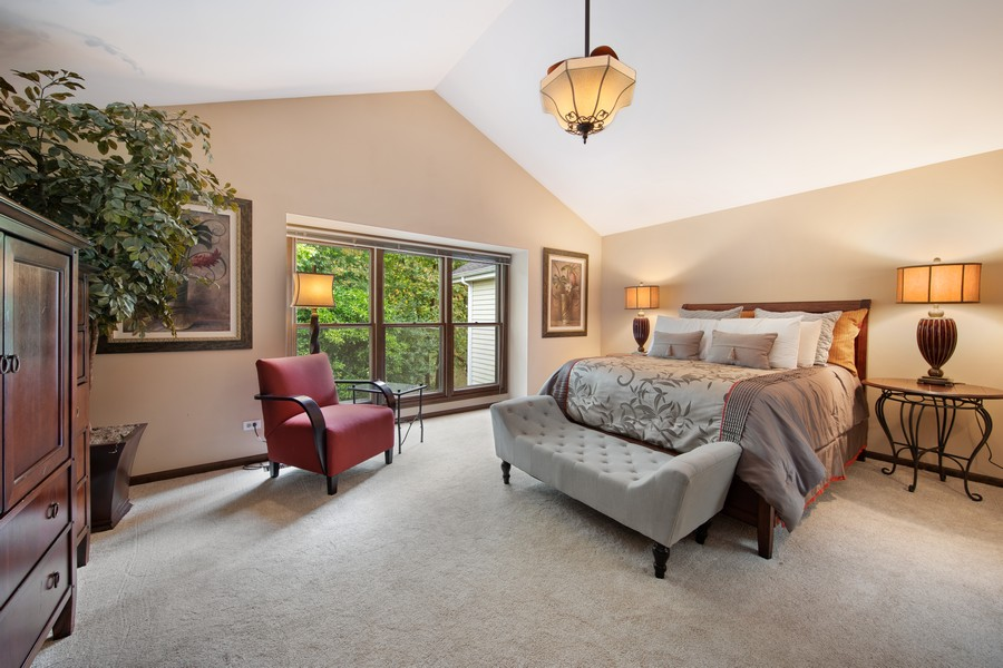 Real Estate Photography - 376 River Bluff Cir, Naperville, IL, 60540 - Master Bedroom