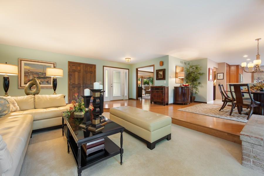 Real Estate Photography - 376 River Bluff Cir, Naperville, IL, 60540 - Family Room