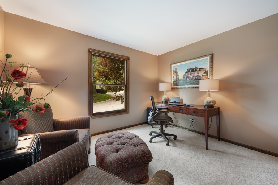Real Estate Photography - 376 River Bluff Cir, Naperville, IL, 60540 - Den