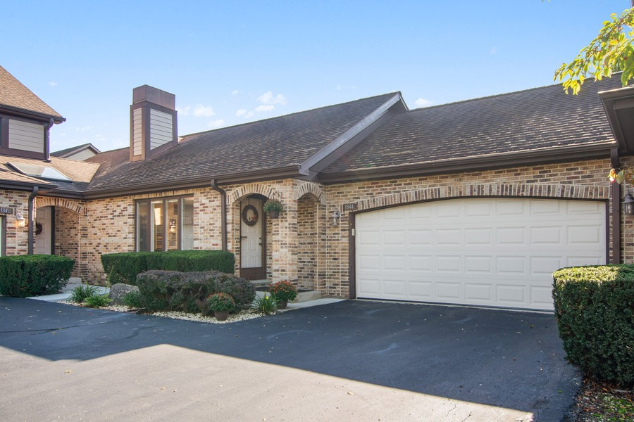 Real Estate Photography - 1844 Golf View Dr, Bartlett, IL, 60103 - Front View