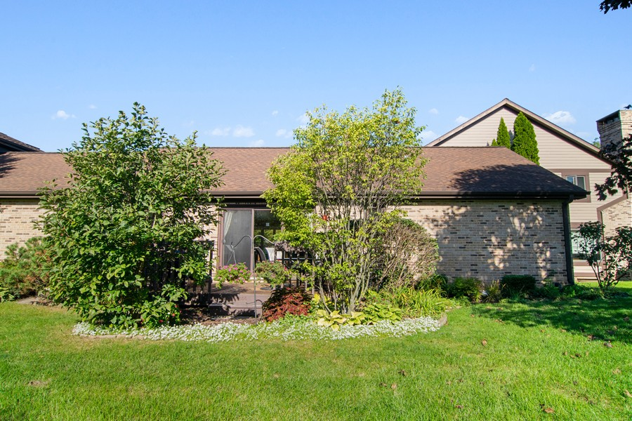 Real Estate Photography - 1844 Golf View Dr, Bartlett, IL, 60103 - Rear View