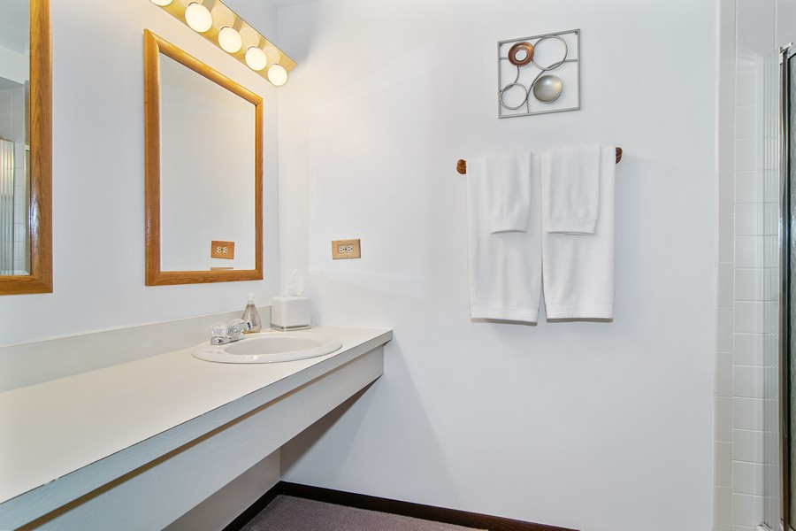 Real Estate Photography - 1844 Golf View Dr, Bartlett, IL, 60103 - Bathroom