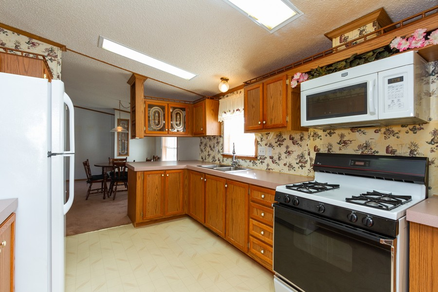 Real Estate Photography - 25752 Scioto St, Monee, IL, 60449 - Kitchen