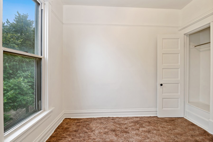 Real Estate Photography - 1820 W. Belle Plaine Ave., Chicago, IL, 60613 - Bedroom
