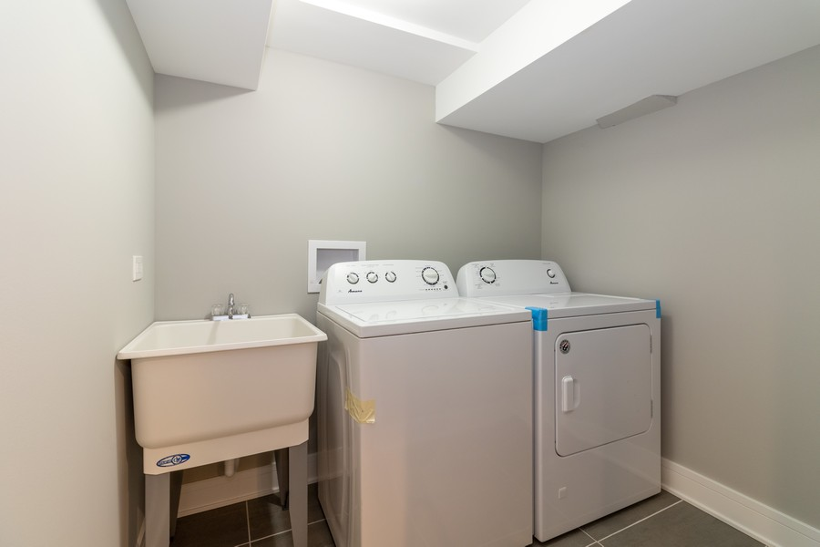 Real Estate Photography - 5229 South Natchez Ave, Chicago, IL, 60638 - Laundry Room