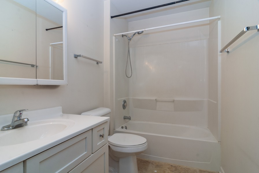 Real Estate Photography - 513 Walnut St, Batavia, IL, 60510 - 2nd Bathroom