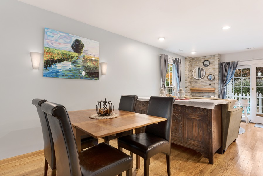 Real Estate Photography - 1435 Pebblecreek Dr, 13-6, Glenview, IL, 60025 - Dining Area