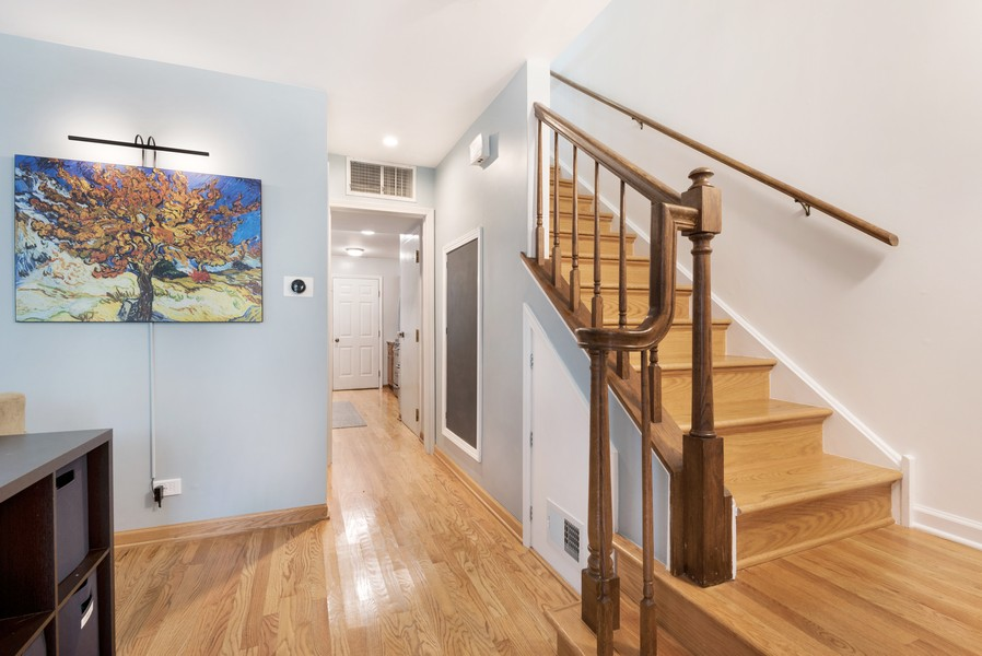 Real Estate Photography - 1435 Pebblecreek Dr, 13-6, Glenview, IL, 60025 - Entryway