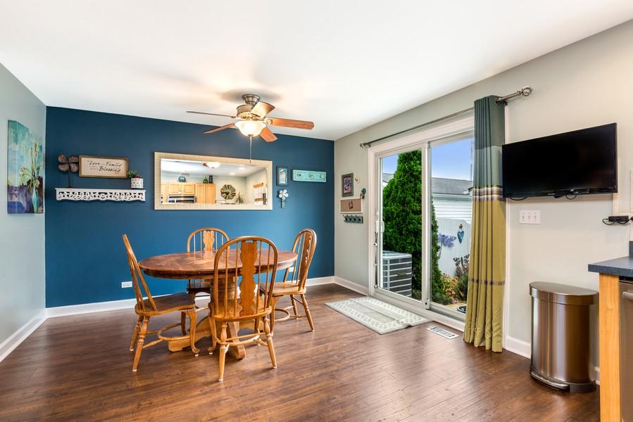 Real Estate Photography - 2506 Grayhawk Dr, Aurora, IL, 60503 - Kitchen