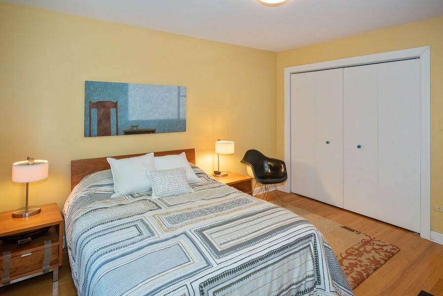Real Estate Photography - 1414 Elmwood Ave, 2E, Evanston, IL, 60201 - Bedroom