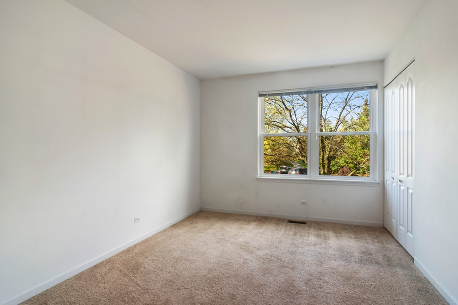 Real Estate Photography - 583 North Charter Hall Dr, Palatine, IL, 60067 - 3rd Bedroom