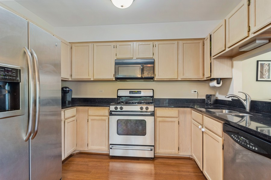 Real Estate Photography - 583 North Charter Hall Dr, Palatine, IL, 60067 - Kitchen