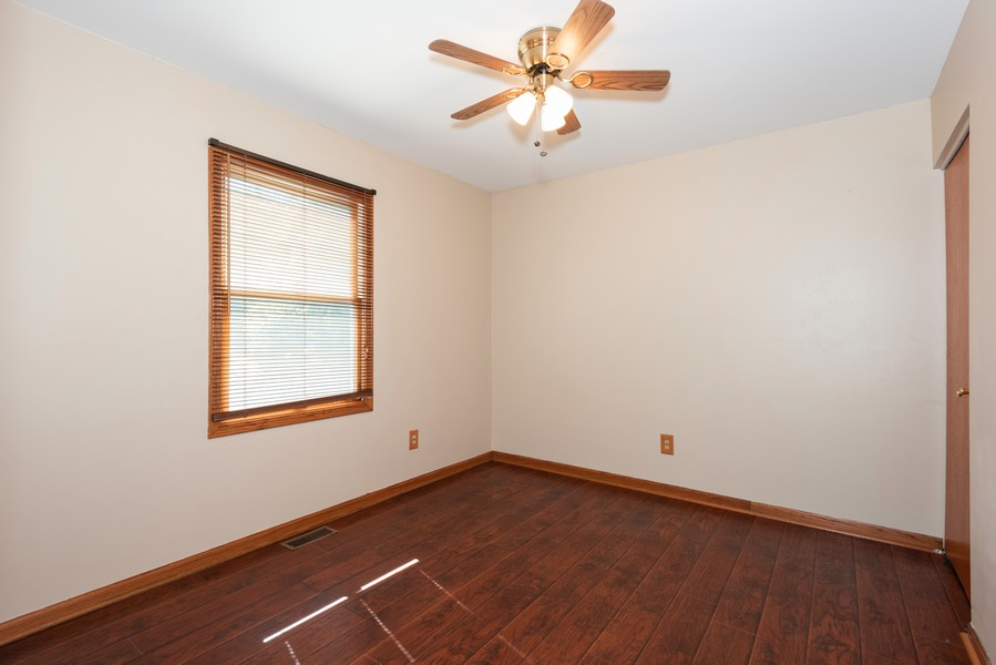 Real Estate Photography - 1090 Emerald Dr, Aurora, IL, 60506 - 2nd Bedroom