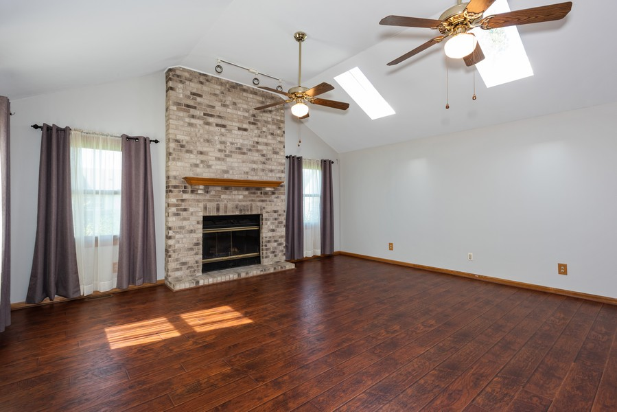 Real Estate Photography - 1090 Emerald Dr, Aurora, IL, 60506 - Family Room