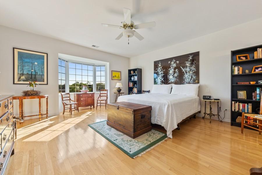 Real Estate Photography - 501 Forest #506, Glen Ellyn, IL, 60137 - Master Bedroom