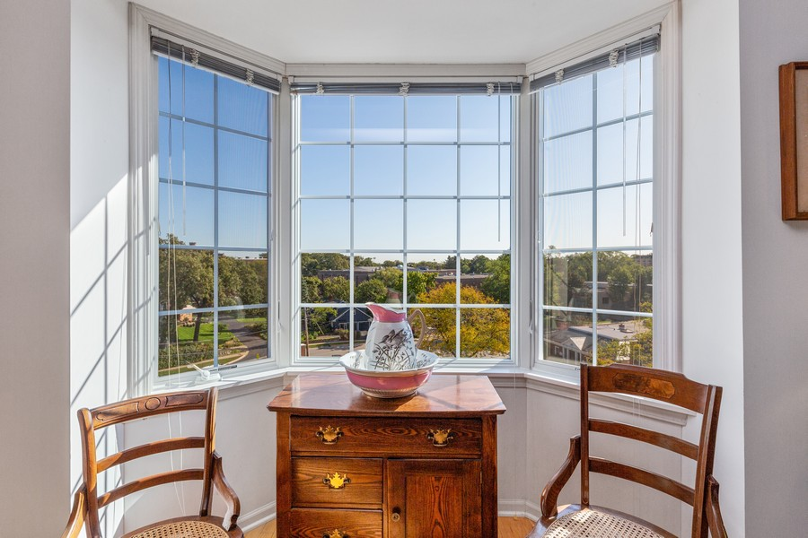 Real Estate Photography - 501 Forest #506, Glen Ellyn, IL, 60137 - Bay View