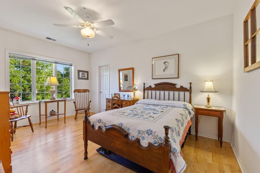 Real Estate Photography - 501 Forest #506, Glen Ellyn, IL, 60137 - Bedroom