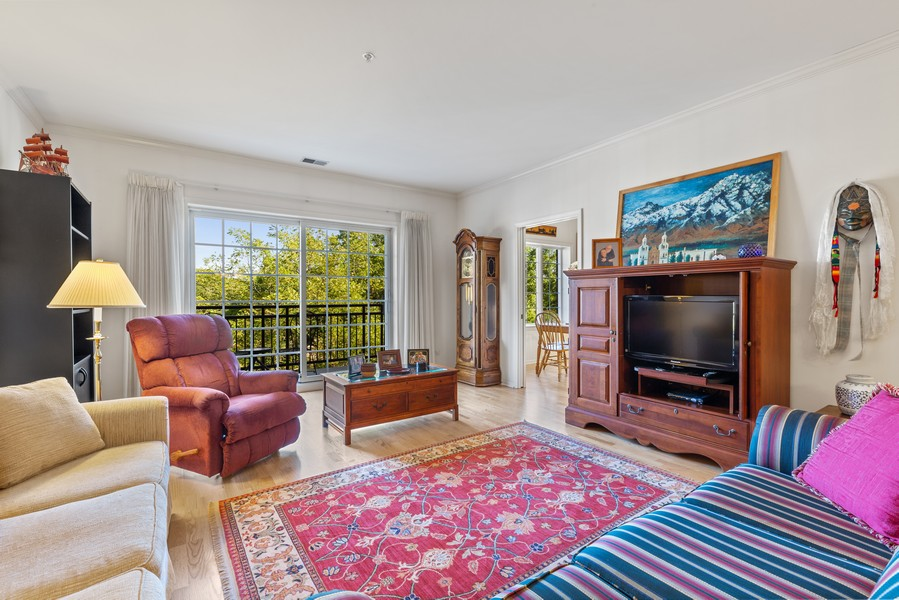 Real Estate Photography - 501 Forest #506, Glen Ellyn, IL, 60137 - Family Room