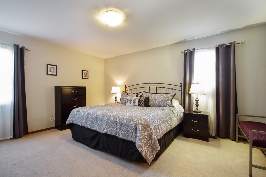Real Estate Photography - 1677 Deerhaven Dr, Crystal Lake, IL, 60014 - Master Bedroom