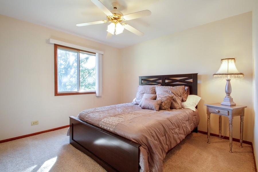 Real Estate Photography - 1677 Deerhaven Dr, Crystal Lake, IL, 60014 - 2nd Bedroom