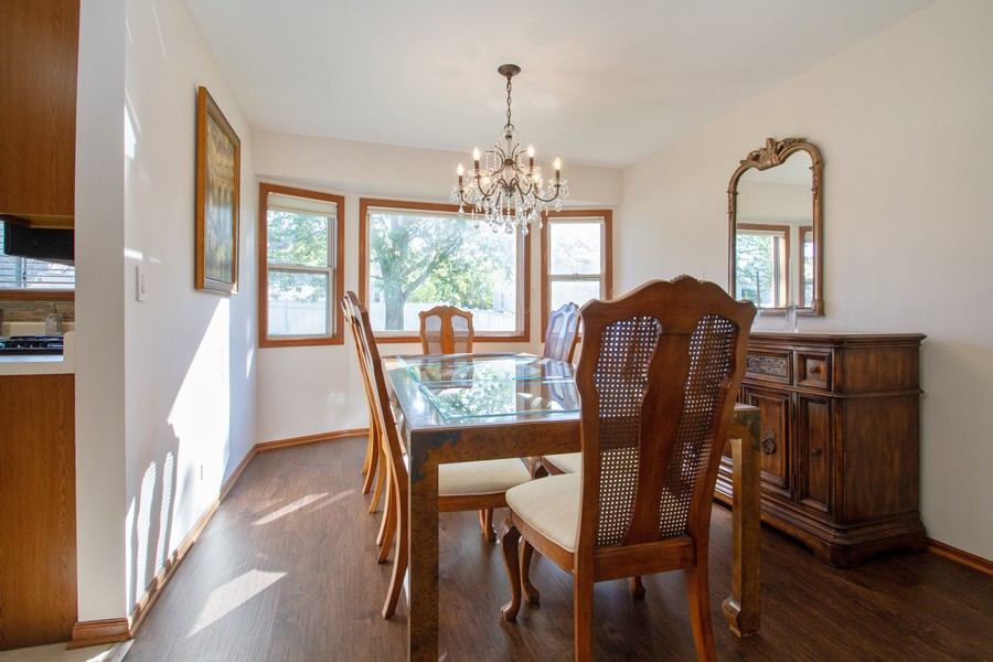 Real Estate Photography - 1677 Deerhaven Dr, Crystal Lake, IL, 60014 - Dining Room