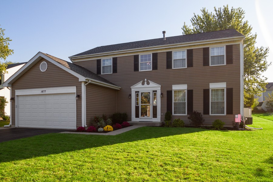 Real Estate Photography - 1677 Deerhaven Dr, Crystal Lake, IL, 60014 - Front View