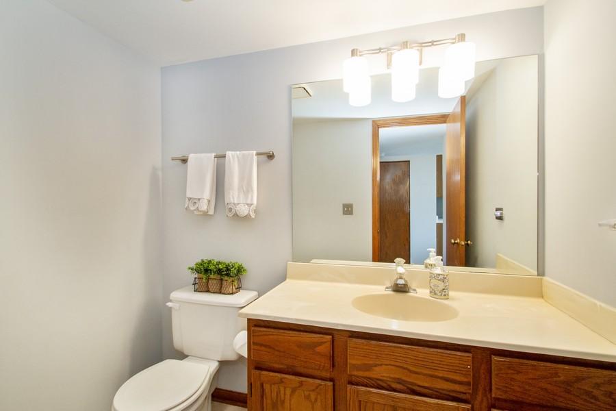 Real Estate Photography - 1677 Deerhaven Dr, Crystal Lake, IL, 60014 - Bathroom