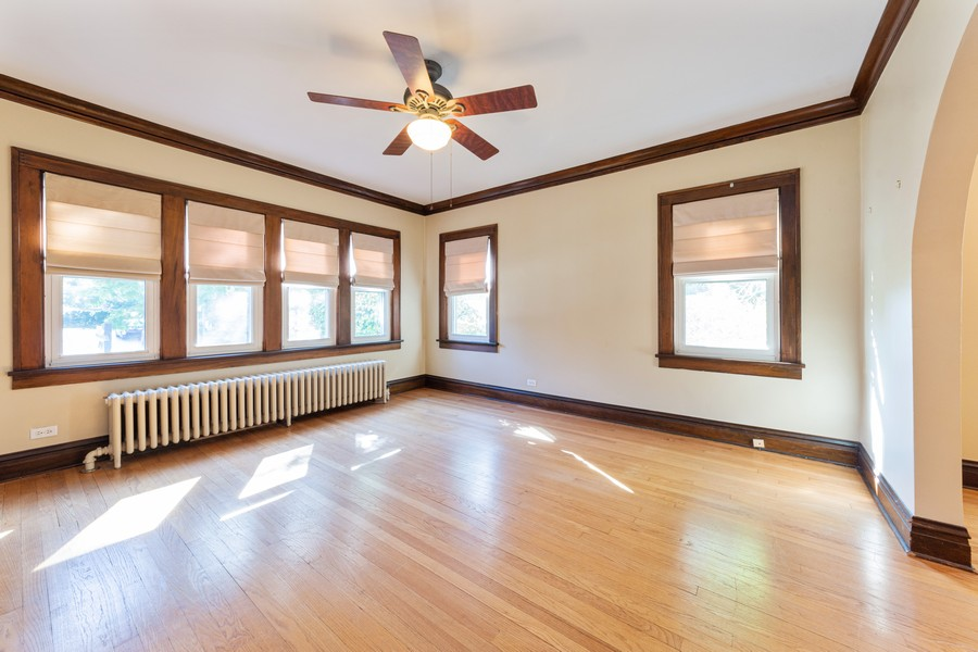 Real Estate Photography - 8 East Euclid Ave, Arlington Heights, IL, 60004 - Living Room