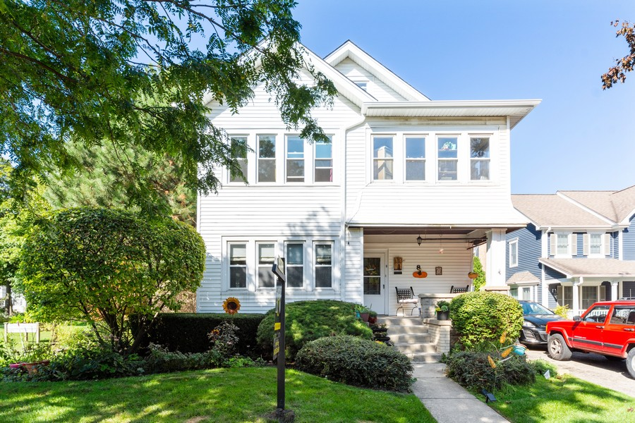 Real Estate Photography - 8 East Euclid Ave, Arlington Heights, IL, 60004 - Front View