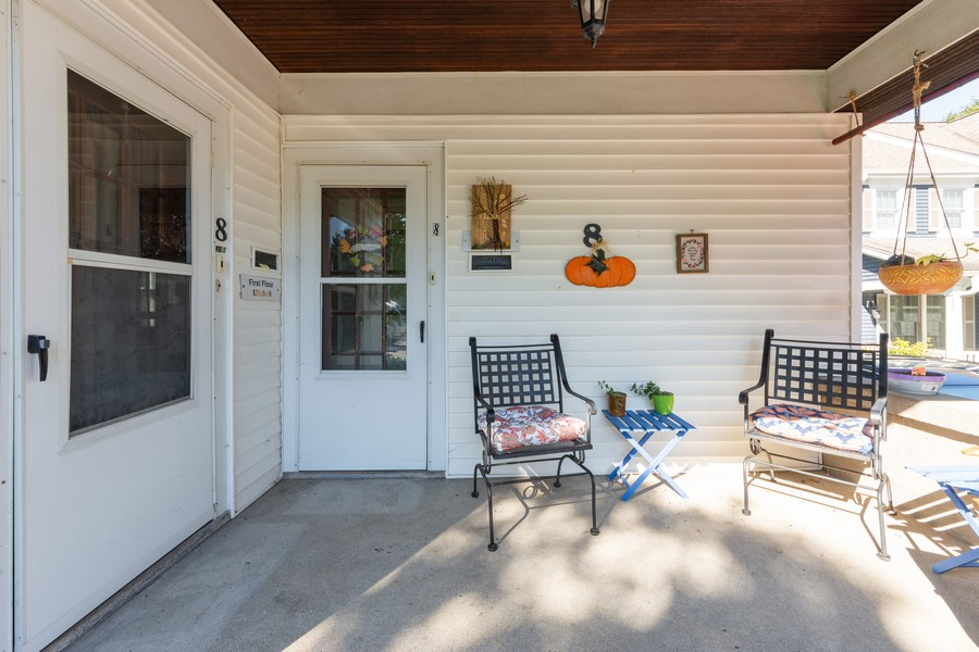 Real Estate Photography - 8 East Euclid Ave, Arlington Heights, IL, 60004 - Porch