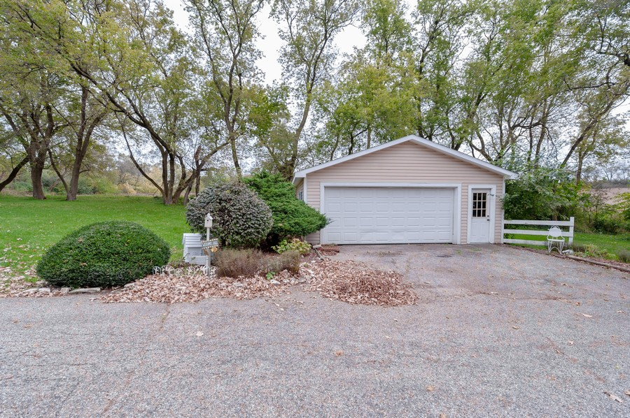 Real Estate Photography - 4703 Hill Rd, Richmond, IL, 60071 - Garage