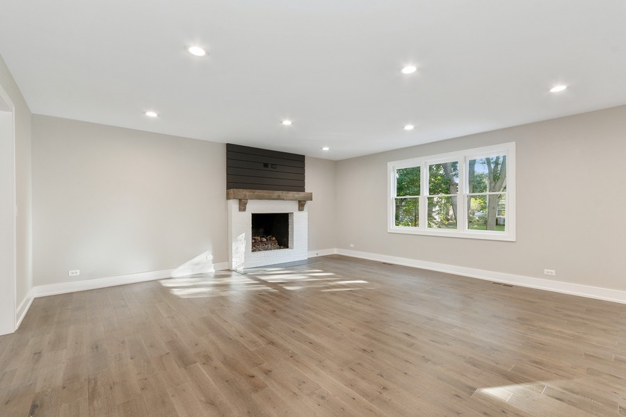 Real Estate Photography - 1470 Farington Ct, Naperville, IL, 60563 - Family Room